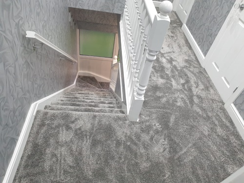 Deep pile carpet fitted on landing